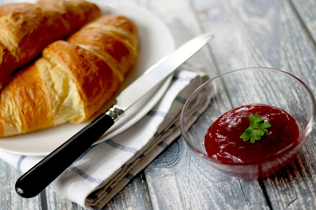 croissants-569075_640.jpg
